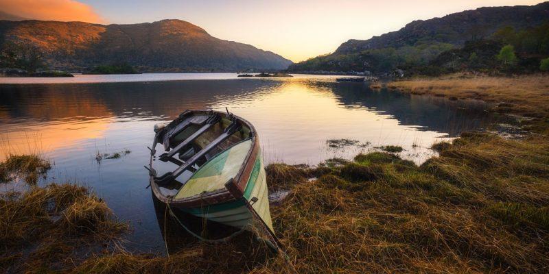 Bootje aan het meer in Killarney National Park Ierland met Galtic