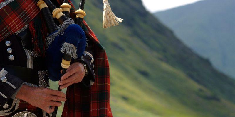Doedelzak spelen in Schotland met Galtic