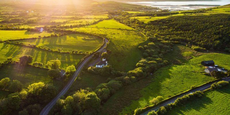 Prachtig uitzicht over Ierse landschappen met Galtic
