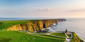The Cliffs of Moher uitzicht met Galtic in Ierland